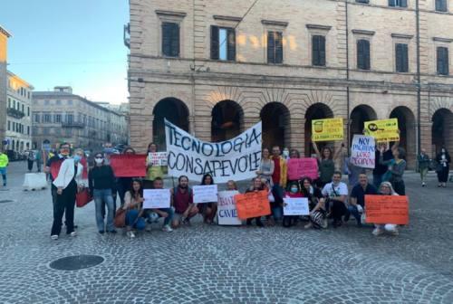 Antenne 5G a Osimo, il comitato dei cittadini chiede l'accesso agli atti