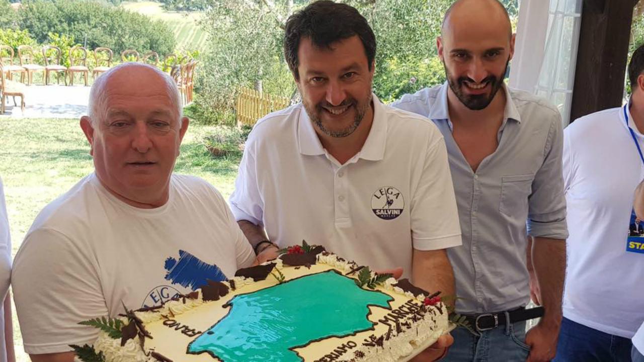 Salvini con gli esponenti di Lega Fano
