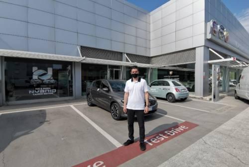 Mercato dell'auto, la ricetta di Menchi: «Ragioniamo per obiettivi e accettiamo il passaggio all'elettrico»