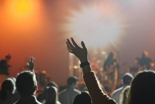 Marche, consentiti eventi sportivi con massimo mille persone e ok alle discoteche all'aperto: Ceriscioli firma i decreti
