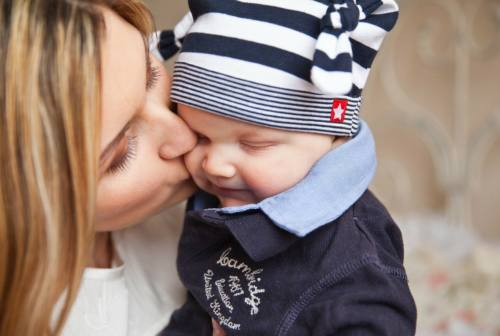 Dimissioni delle neo-mamme, nel 2019 in 894 hanno lasciato il lavoro nelle Marche