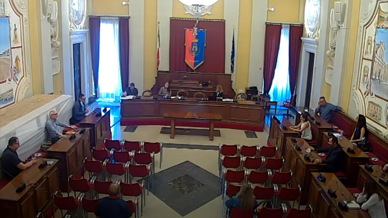 La seduta della V commissione di Senigallia sul turismo: commissari distanziati per le norme anti covid