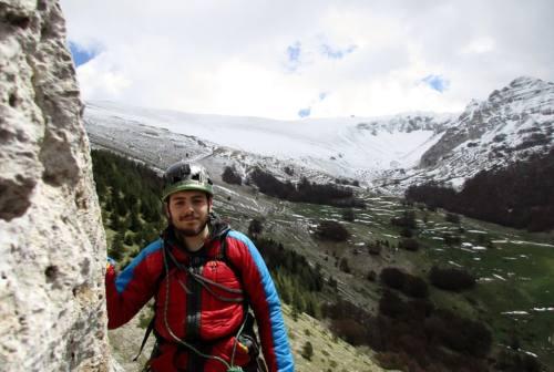 Alpinista cade in un crepaccio in Valle d'Aosta: ore di apprensione per un 27enne di Camerino