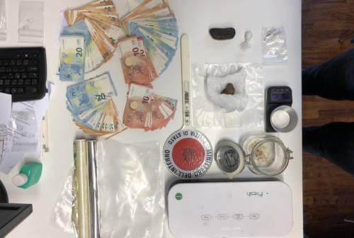 Mombaroccio, oppio e metanfetamine: arrestato pusher 31enne disoccupato