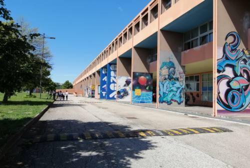 Pesaro, lezioni on line al 100% al liceo Scientifico. Rossini: «Una scuola su tre non è pronta»