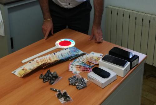 Porto Recanati, nascondeva la cocaina dietro il cruscotto dell'auto: arrestato corriere della droga