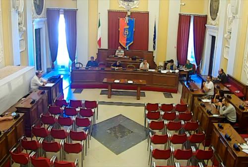 III Commissione, botta e risposta acceso tra maggioranza e opposizione