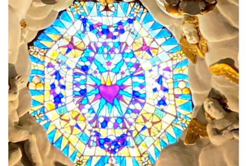 Fossombrone: torna a risplendere la luce sulla vetrata dell'altare di San Filippo