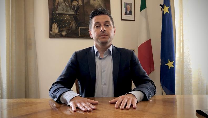 Il sindaco di Ascoli Piceno Marco Fioravanti