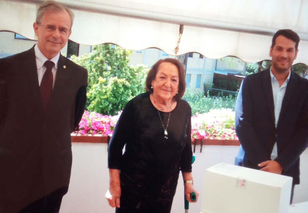 Il presidente del Rotary Club Jesi Mauro Ragaini e il vice presidente Emanuele Zannini si sono incontrati con la presidente dello Iom di Jesi e Vallesina Anna Maria Quaglieri