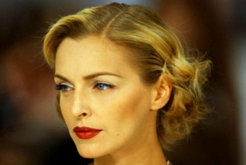 L'attrice Simonetta Gianfelici è il nuovo volto di Camerino