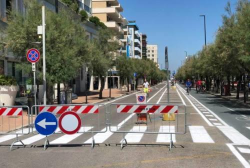 Isole pedonali in zona mare e mobilità sostenibile: ecco l'estate a Pesaro
