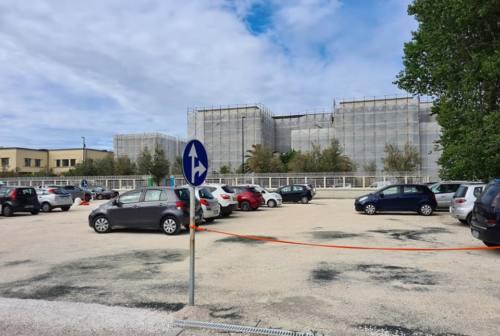 Il Comune di Pesaro acquista Villa Marina per 1,3 milioni: parcheggio e centro sportivo