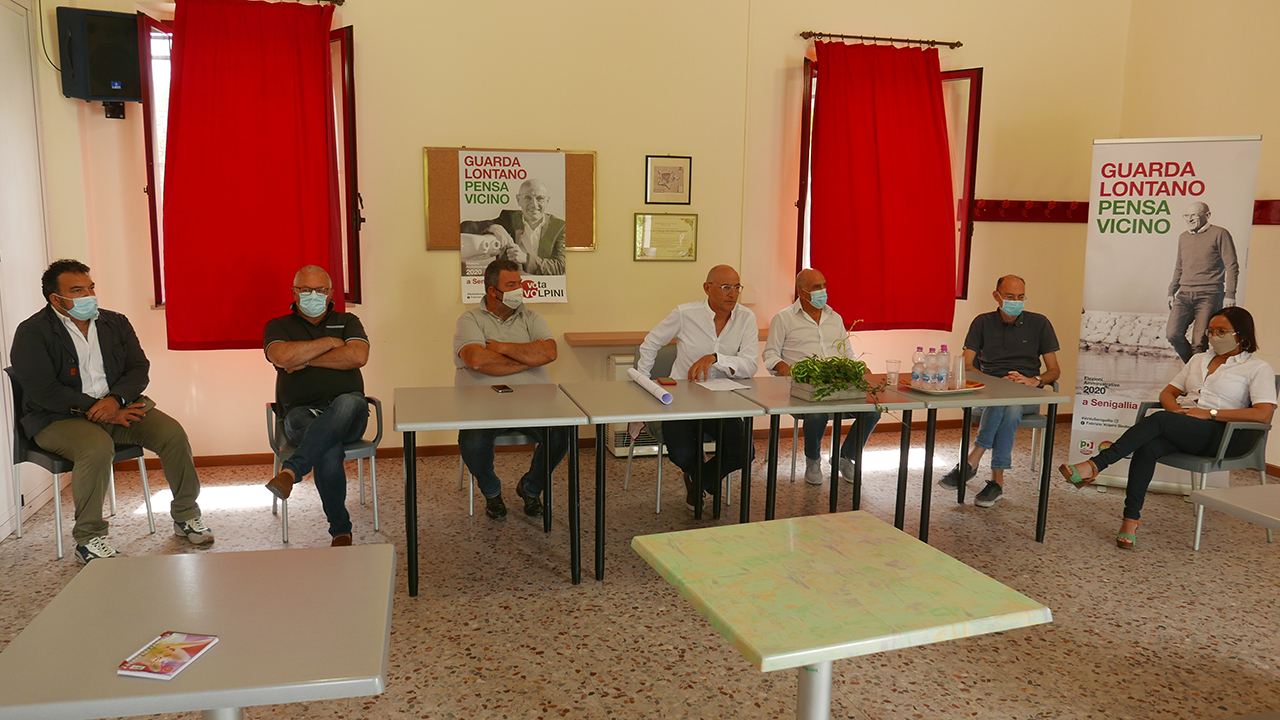 La coalizione di centrosinistra a sostegno del candidato a sindaco di Senigallia Fabrizio Volpini