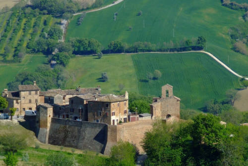 """Arcevia, a Loretello si inaugura la mostra del progetto """"Il cuore dell'arte per i comuni delle Marche"""""""