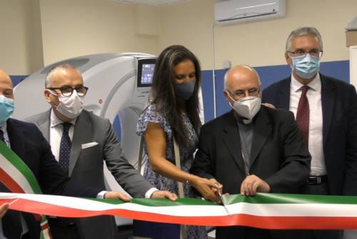 Taglio del nastro per la nuova Tac dell'ospedale di Camerino: «Vicini alle popolazioni dell'entroterra»