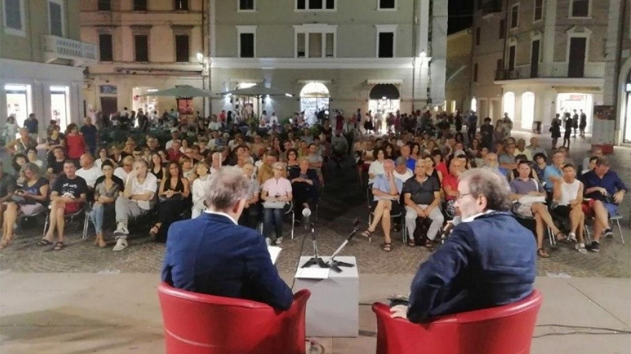 Il festival su Epicuro organizzato nel 2019 in piazza Roma a Senigallia