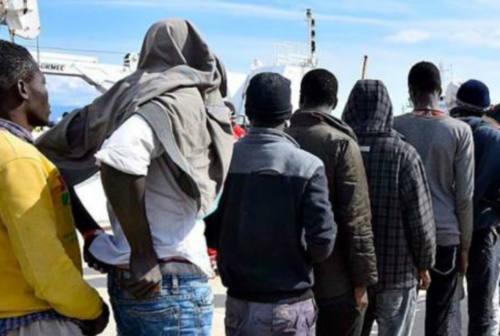 Fuga di migranti dal centro di Cartoceto, il sindaco Rossi: «Struttura inadeguata»