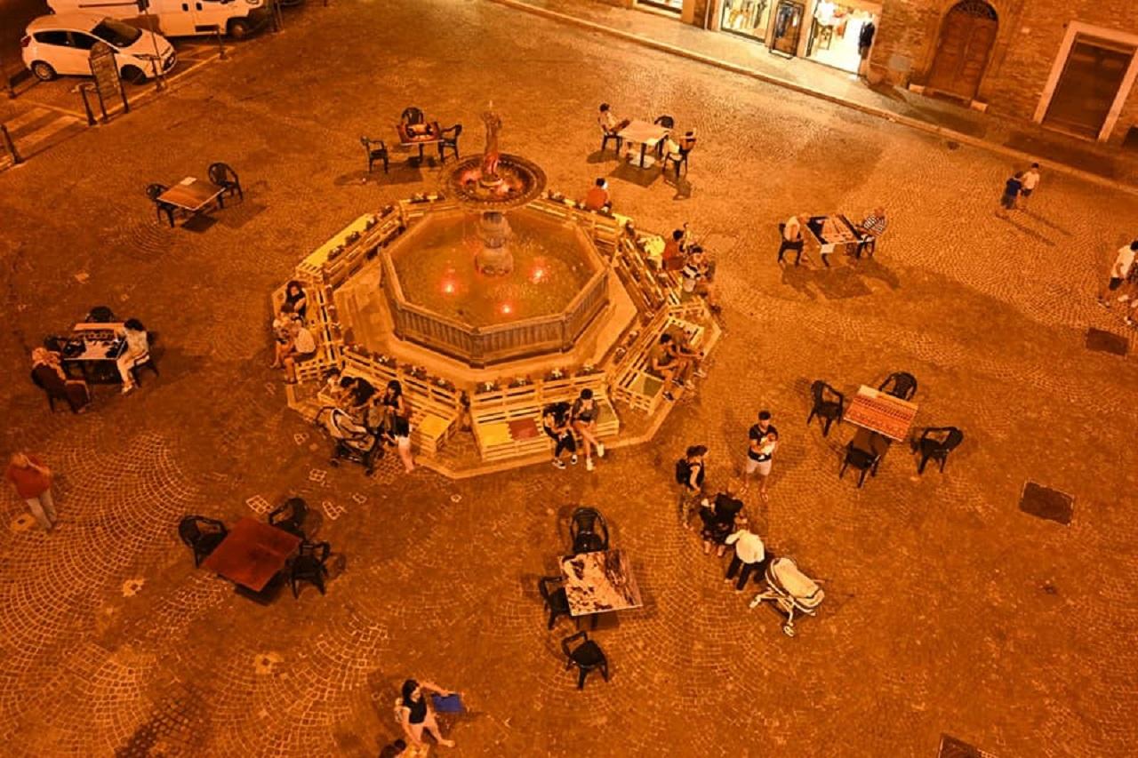Piazza Boccolino di notte