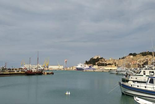 Effetto Covid: nel porto di Ancona traffico passeggeri a -71,8%. Calo contenuto per le merci