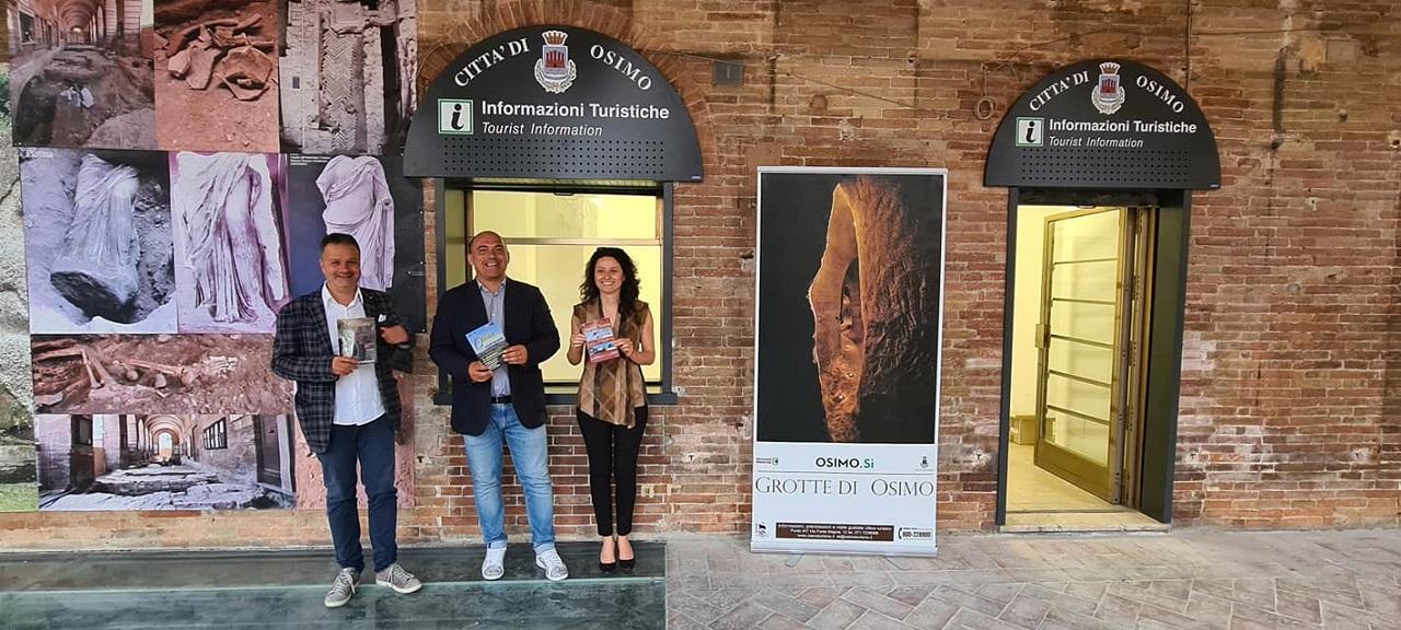Da sinistra: l'assessore alla Cultura Mauro Pellegrini, il sindaco Simone Pugnaloni e l'assessore al Turismo Michela Glorio
