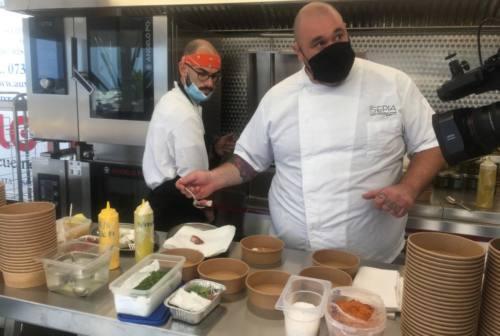 """Degustazioni d'autore, bollicine e curiosità solleticano il palato con """"Senigallia città gourmet"""" a Tipicità – VIDEO"""