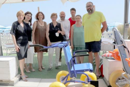 A Civitanova spiagge senza barriere: raddoppiano le attrezzature per i disabili
