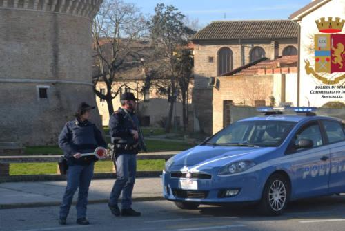Controlli della polizia: tre donne nei guai a Senigallia