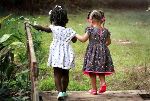 Giornata mondiale dell'amicizia, un bene prezioso celebrato anche in letteratura