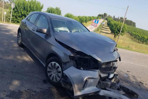 Numana, incidente sulla provinciale 23. Due auto distrutte