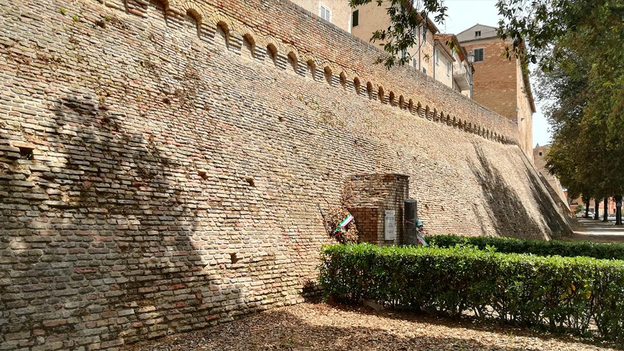 Le mura storiche di Ostra