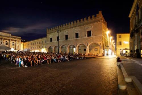 Pesaro, la Petite messe solennelle in piazza in ricordo delle vittime Covid