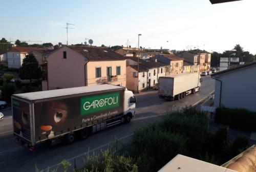 Polveri sottili: più stop al traffico, cantieri da bagnare e limiti di velocità a zone a Jesi