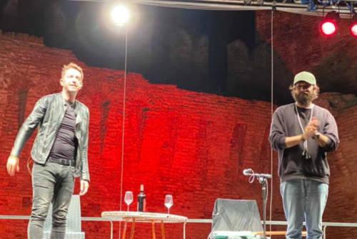 Fano, successo per il live di Scanzi & Graziani alla Rocca Malatestiana – VIDEO