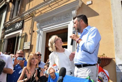Salvini a Fabriano: fra stoccate a Regione e Governo lancia la candidatura di Chiara Biondi