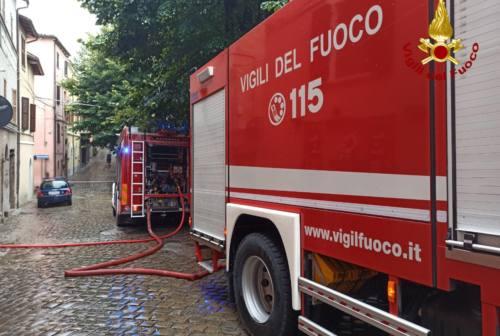 Fabriano, morto l'81enne intrappolato dalle fiamme in casa sua. Troppo gravi le ustioni