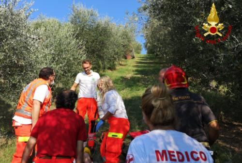 Castelplanio: il trattore si rovescia, ferito un anziano