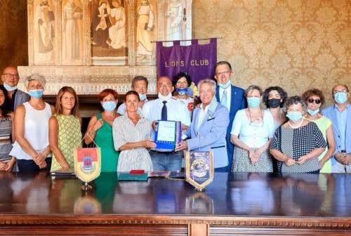 """Osimo, i Lions """"donano"""" l'ascensore alla """"Caio Giulio Cesare"""""""