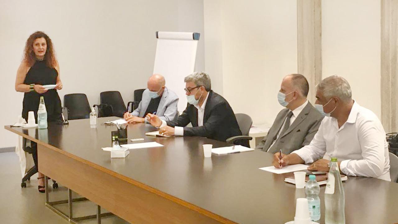 Da sinistra la presidente dell'ordine degli architetti di Ancona Donatella Maiolatesi, Fabrizio Volpini, Massimo Olivetti, Paolo Molinelli e Gennaro Campanile