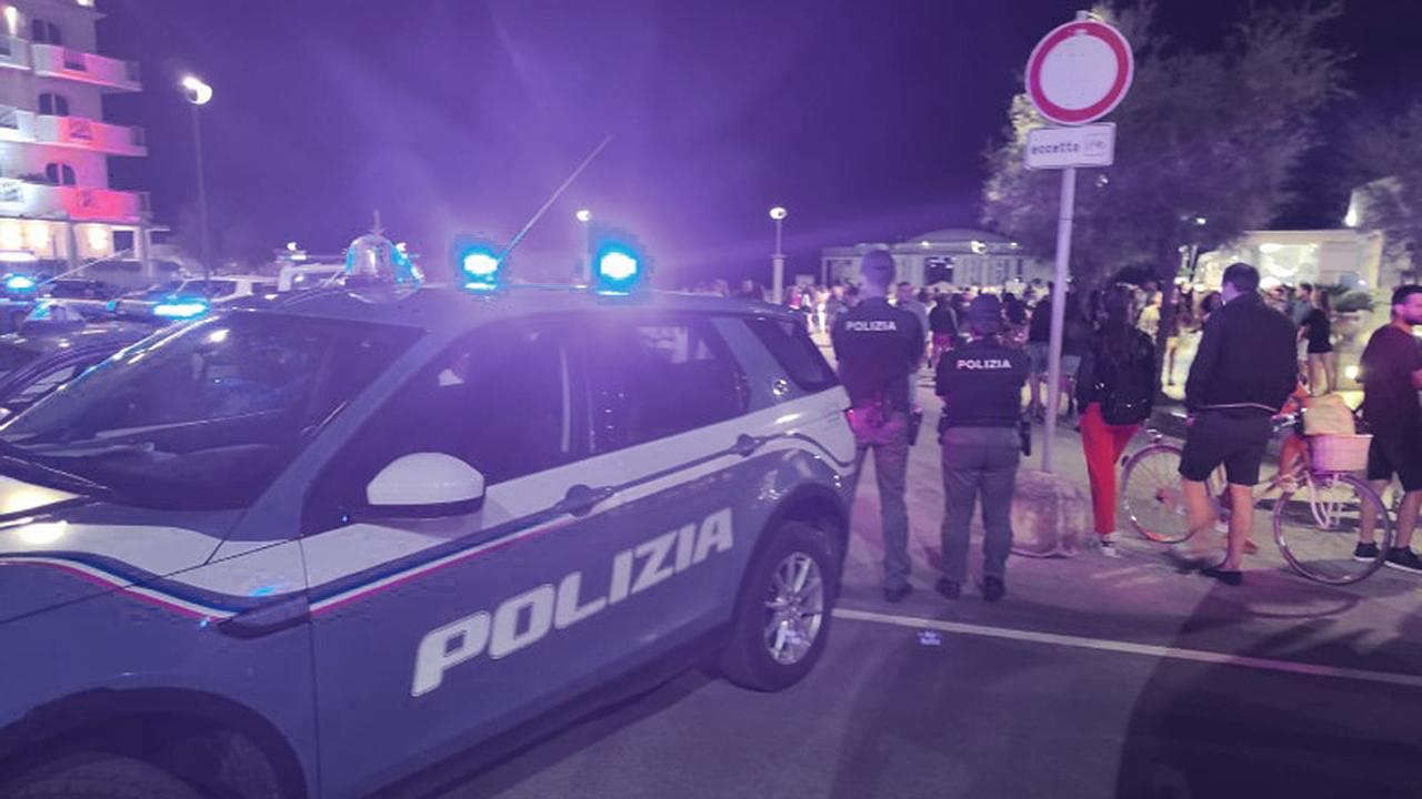 I controlli della polizia sul lungomare di Senigallia