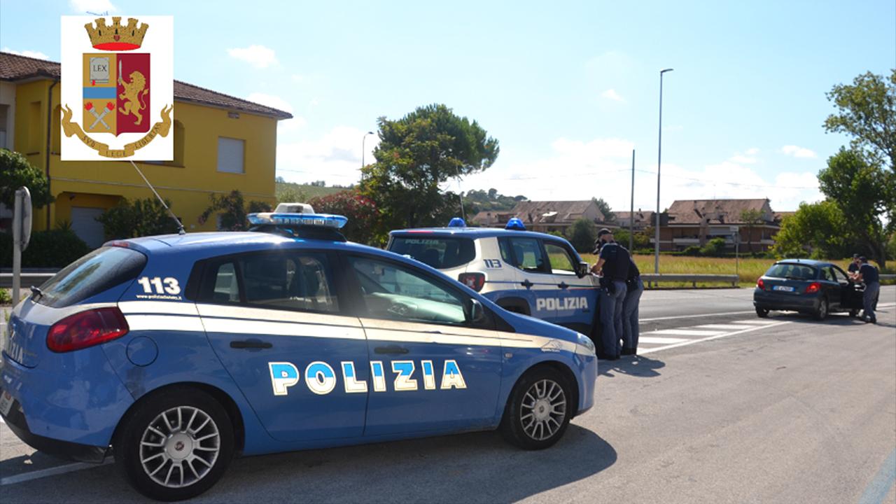 I controlli stradali della polizia a Senigallia