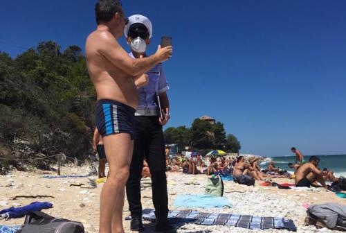 Portonovo piace, turisti anche dalla Brianza