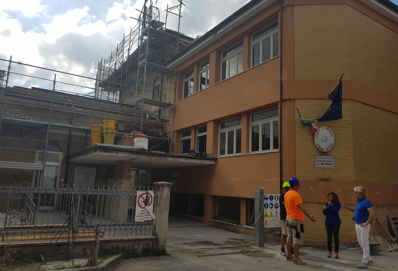 Falconara, scuola Da Vinci