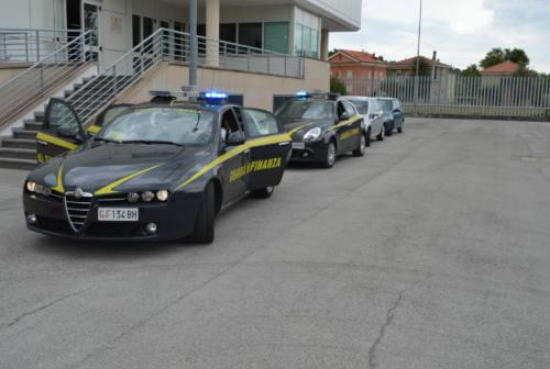 Macerata, venticinquenne in arresto per detenzione di hashish e marijuana