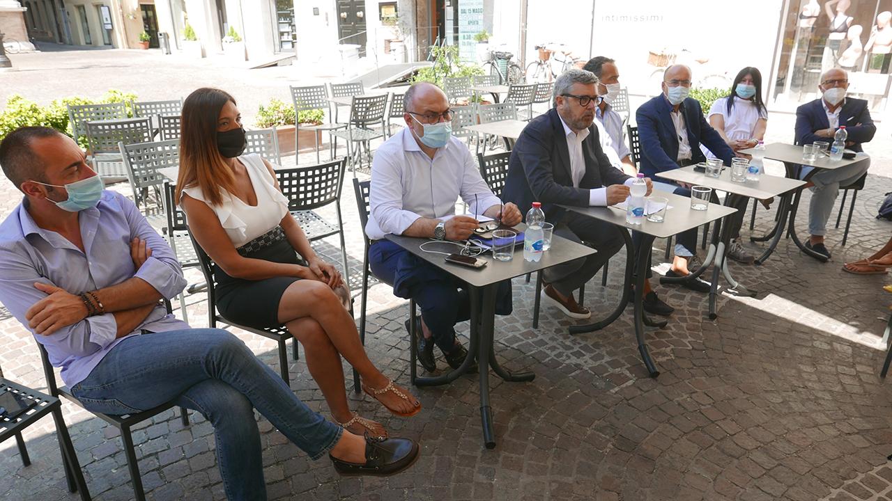 La coalizione di centrodestra a Senigallia che sostiene Massimo Olivetti