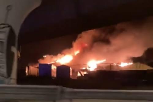 Incendio al Porto, lo sfogo di Claudia Rossi: «È esploso tutto, non c'è più niente»