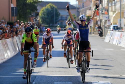 Ciclismo, Bertizzolo trionfa a Villa Musone nel Giro delle Marche in Rosa