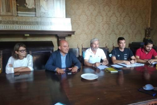 Osimo, presentata la nuova gestione della piscina