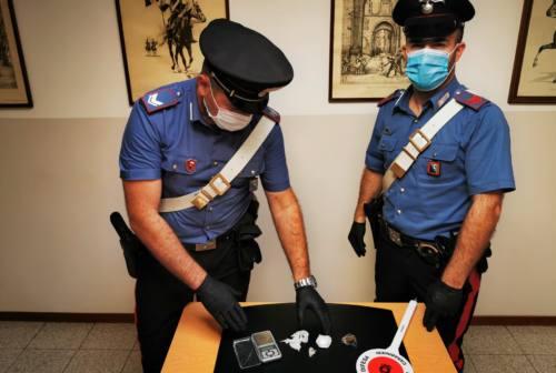 Fabriano: Droga nascosta nell'auto, arrestato pusher