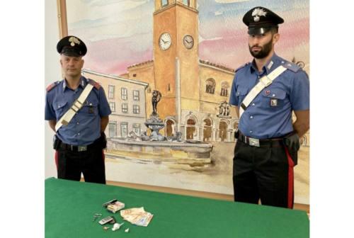 Colli al Metauro, da un bar all'altro per vendere cocaina: arrestato dai Carabinieri